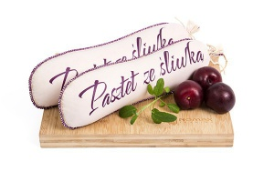 Pâté with plums